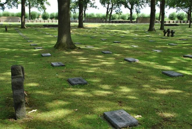 Langemark_German_cemetery