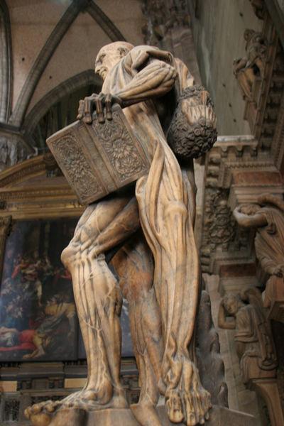 saint-bartholomew statue-3b