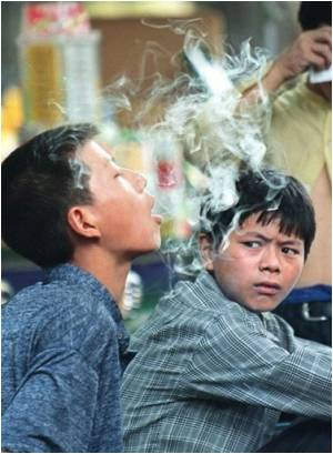 chinese man smoking-5