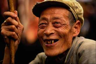 old Chinese man with missing teeth-3