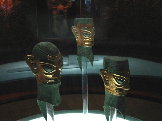 Bronze head-3- 3 heads