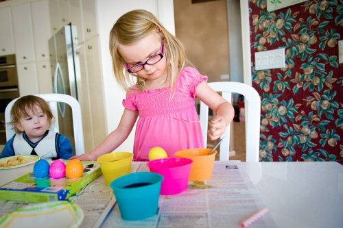 Children painting eggs-2
