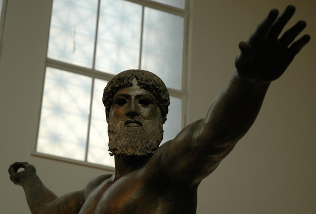 Athense-bronze_statue_of_Zeus_or_Poseidon-3