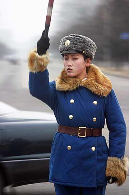 traffic police girl-pointing up-2