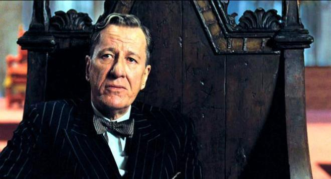 throne-king edwards-Geoffrey Rush in it