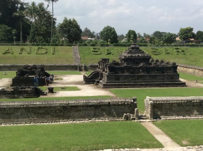 Sambisari temple 002