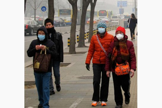beijingers wearing masks