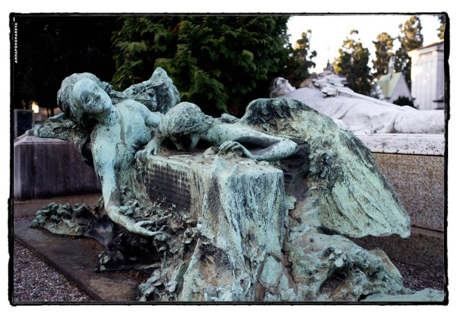 statua monumentale Milano-2