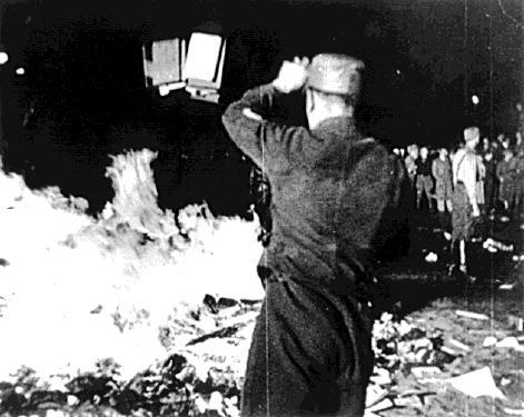bebelplatz book burning-1
