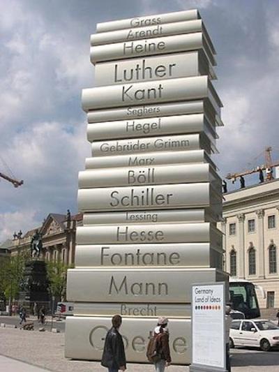 berlin-book-statue
