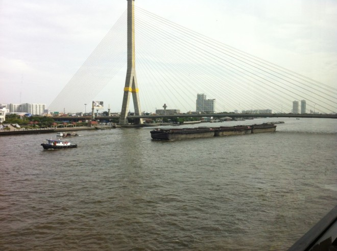 ships on river 002