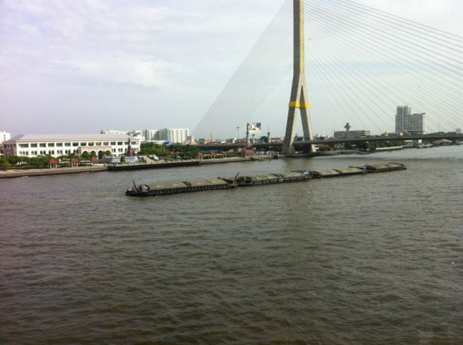 ships on river 005