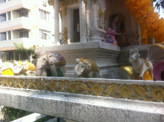 spirit house big-elephants