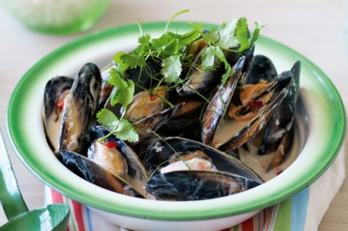 mussels in coconut and lemongrass sauce