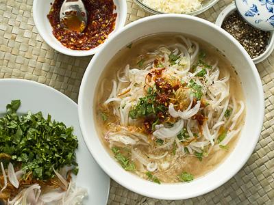 Myanmar Mon Di soup