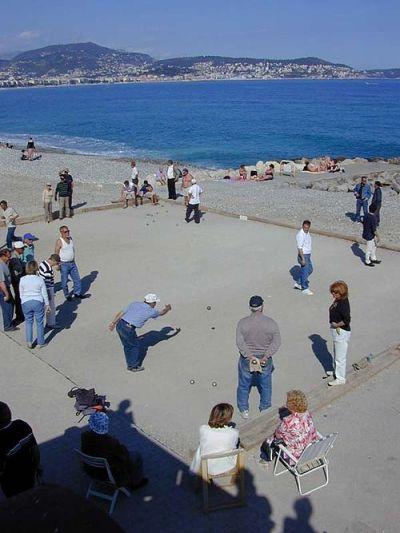 Petanque_on_a_beach_of_Nice