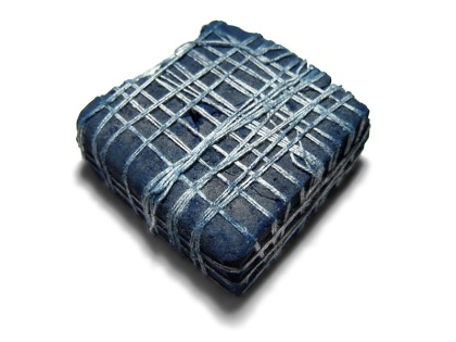 Indian_indigo_dye_lump